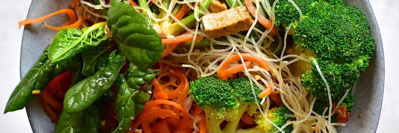 Salad in a jar: Thai-inspired
