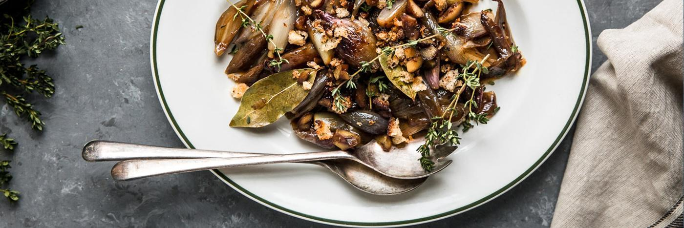 Caramelised shallots with a chestnut crumb