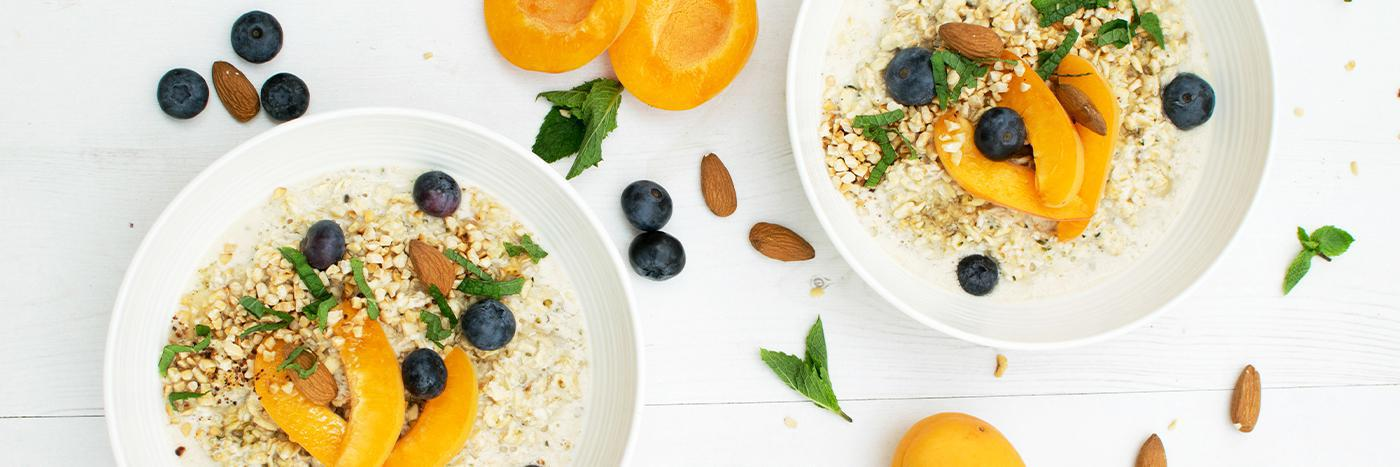 Apricot & blueberry spiced overnight porridge